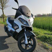 Aprilia SR MAX 125 Sportroller  // TÜV 03.2019